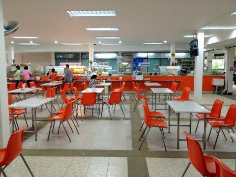 Ресторанный дворик в госпитале на Самуи